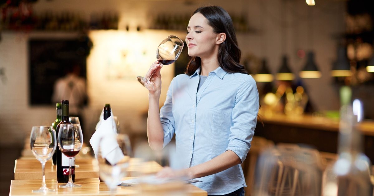 Esame gustativo del vino Enoteca Innusa Palermo